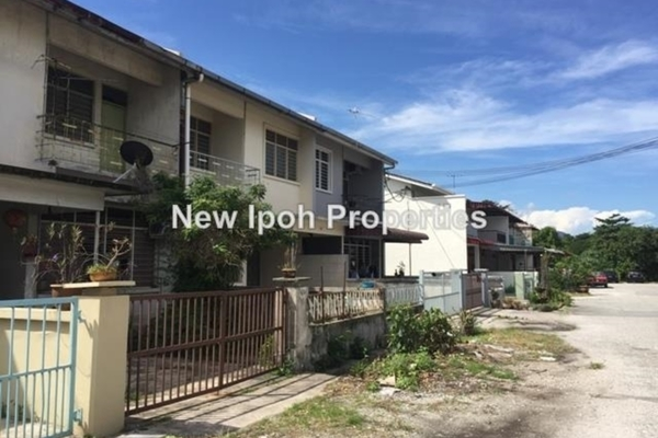 For Sale Terrace at Taman Taiping, Ipoh Leasehold Unfurnished 6R/4B 338k