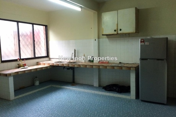 For Sale Terrace at Taman Cempaka, Ipoh Leasehold Unfurnished 4R/2B 232k