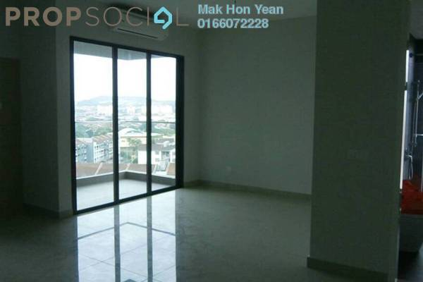 For Sale Condominium at Univ 360 Place, Seri Kembangan Freehold Semi Furnished 0R/1B 300k