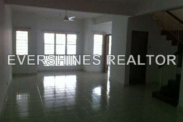 For Sale Link at Taman Amanputra, Puchong Leasehold Unfurnished 4R/5B 650k
