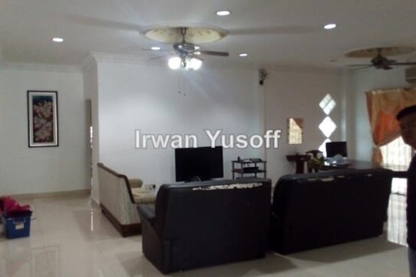 For Sale Semi-Detached at Section 13, Shah Alam Leasehold Semi Furnished 5R/5B 1.7m