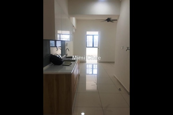 For Rent Serviced Residence at Avenue D'Vogue, Petaling Jaya Leasehold Semi Furnished 1R/1B 1.4k