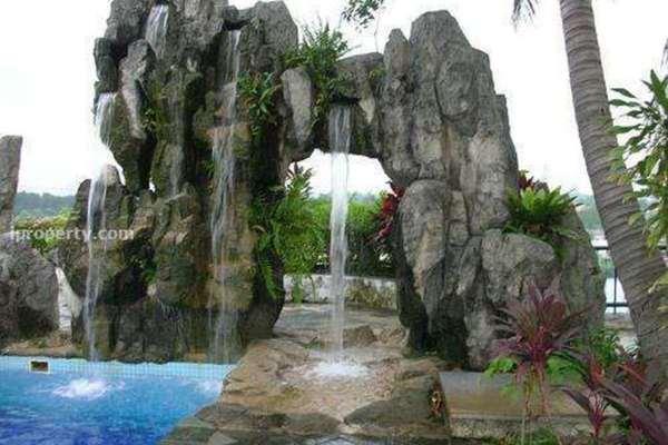 For Sale Condominium at Mutiara Oriental, Tropicana Freehold Semi Furnished 2R/2B 610k