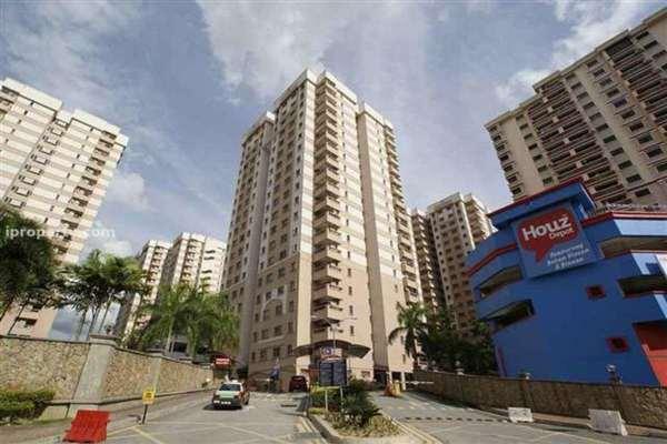 For Rent Condominium at Pelangi Damansara Sentral, Mutiara Damansara Freehold Semi Furnished 3R/2B 1.5k