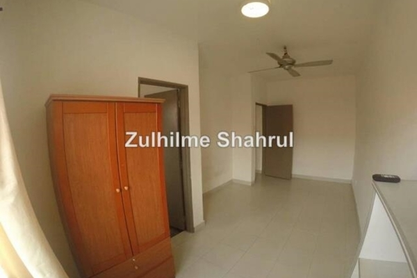 For Sale Terrace at Aman Putri, Sungai Buloh Leasehold Unfurnished 4R/3B 530k