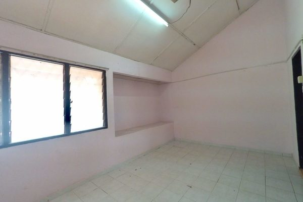 For Sale Terrace at Taman Sri Rampai, Setapak Leasehold Unfurnished 3R/2B 500k