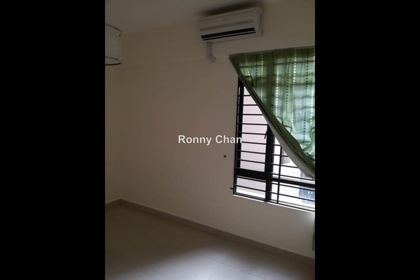 For Sale Terrace at Sri Putramas II, Dutamas Leasehold Semi Furnished 3R/2B 600k
