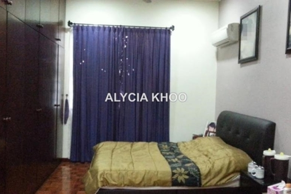 For Rent Link at BK2, Bandar Kinrara Leasehold Semi Furnished 3R/3B 1.65k