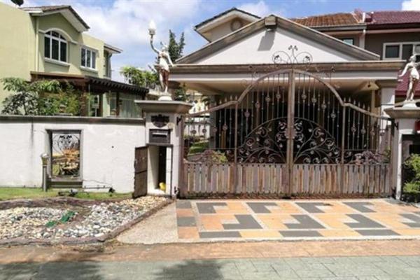 For Sale Semi-Detached at Lestari Mansion, Bandar Putra Permai Freehold Semi Furnished 6R/3B 1.4m