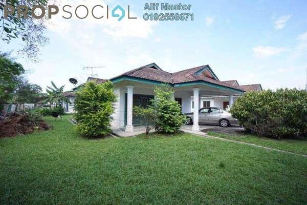 For Sale Bungalow at Taman Tasik Semenyih, Semenyih Freehold Unfurnished 3R/2B 400k