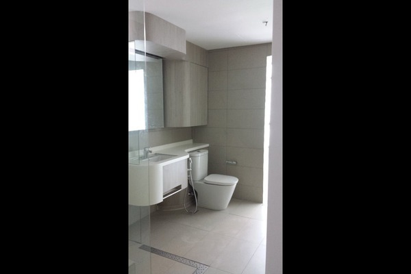 For Rent Condominium at AraGreens Residences, Ara Damansara Freehold Semi Furnished 2R/3B 2.8k