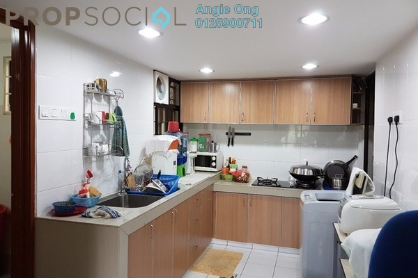 For Sale Apartment at Ixora Apartment, Kepong Freehold Semi Furnished 3R/2B 280k
