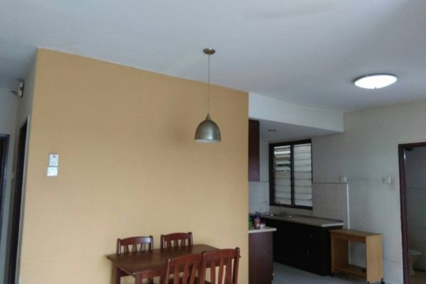 For Rent Apartment at Vista Pinggiran, Bandar Putra Permai Freehold Semi Furnished 3R/2B 1.1k
