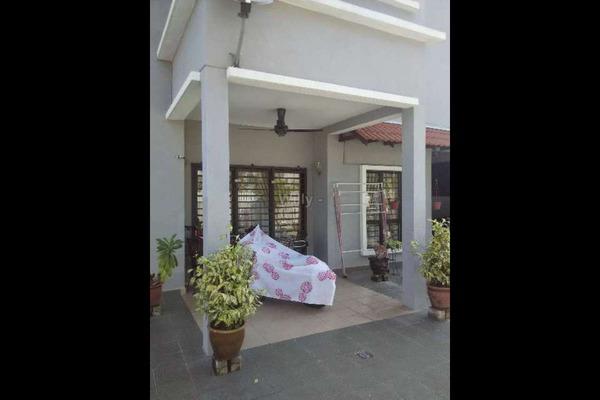 For Sale Terrace at Bayu Idaman, Kajang Freehold Semi Furnished 5R/4B 800k