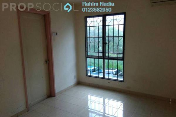 For Sale Apartment at Danaumas Apartment, Shah Alam Freehold Semi Furnished 3R/2B 315k
