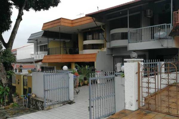 For Sale Terrace at Taman Connaught, Cheras Leasehold Semi Furnished 5R/3B 700k