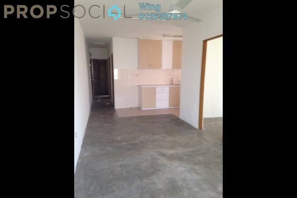 For Sale Apartment at Lestari Apartment, Damansara Damai Freehold Semi Furnished 3R/2B 119k