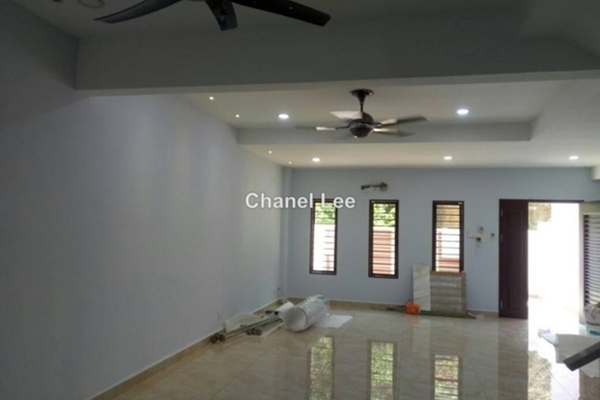 For Sale Terrace at Taman Desa Bukit Indah, Sungai Buloh Freehold Semi Furnished 4R/3B 690k