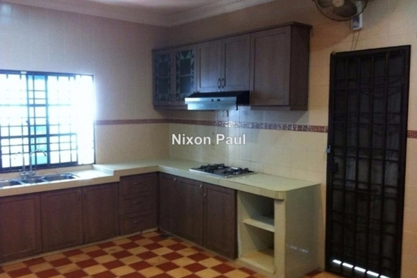 For Sale Bungalow at SS6, Kelana Jaya Leasehold Semi Furnished 7R/4B 2.98m