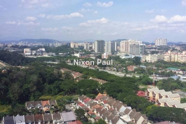 For Sale Condominium at Maxwell Towers, Gasing Heights Leasehold Semi Furnished 3R/3B 750k