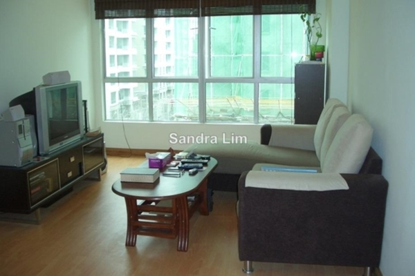 For Rent Serviced Residence at e-Tiara, Subang Jaya Leasehold Fully Furnished 2R/2B 1.8k