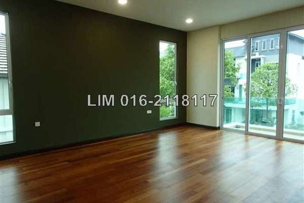 For Sale Bungalow at Subang Heights, Subang Jaya Freehold Semi Furnished 7R/8B 4.5m