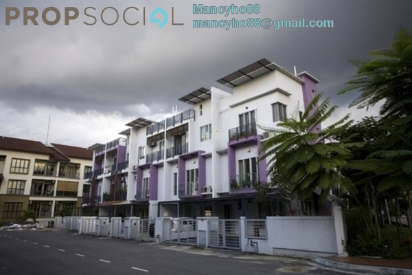 For Sale Terrace at Eastwood Terrace, Bandar Utama Freehold Semi Furnished 3R/2B 588k