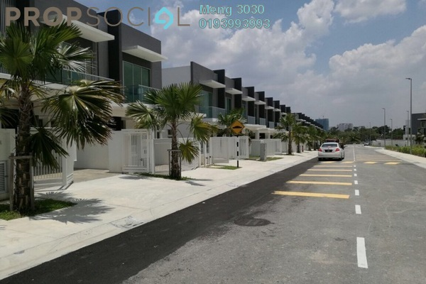 For Sale Terrace at Paragon 150, Bandar Putra Permai Freehold Semi Furnished 4R/3B 820k