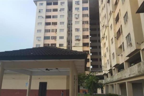 For Sale Apartment at Intan Apartment, Setiawangsa Freehold Semi Furnished 3R/2B 230k