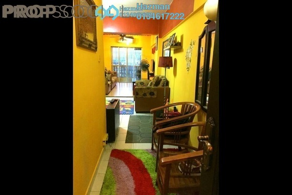 For Sale Apartment at Sri Cempaka Apartment, Kajang Freehold Semi Furnished 3R/2B 300k