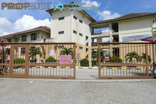 For Sale Condominium at Sierra Residency, Bandar Kinrara Freehold Semi Furnished 3R/2B 418k
