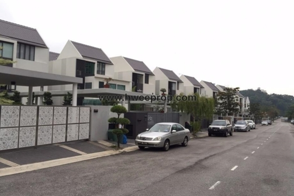 For Sale Bungalow at Taman Esplanad, Bukit Jalil Freehold Semi Furnished 4R/5B 3.9m