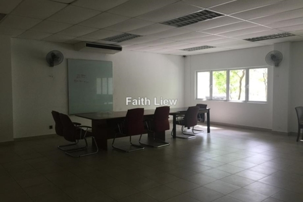 For Rent Condominium at Amaya Saujana, Saujana Freehold Semi Furnished 3R/3B 3.7k