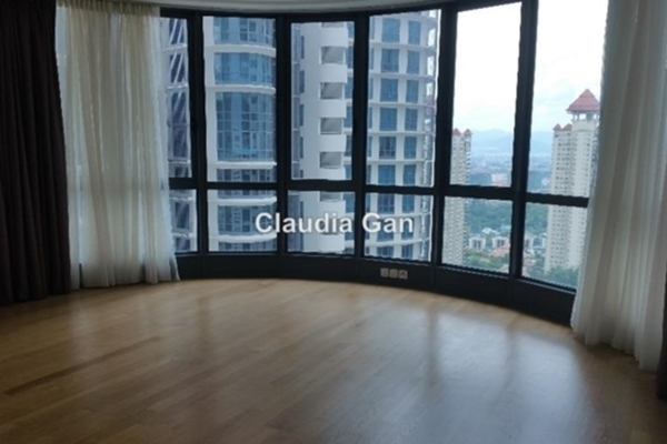 For Rent Condominium at 11 Mont Kiara, Mont Kiara Freehold Semi Furnished 4R/5B 11.5k