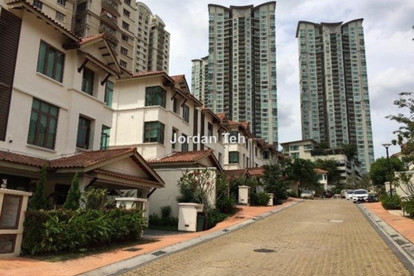 For Sale Semi-Detached at Amarin Kiara, Mont Kiara Freehold Semi Furnished 5R/7B 4.2m