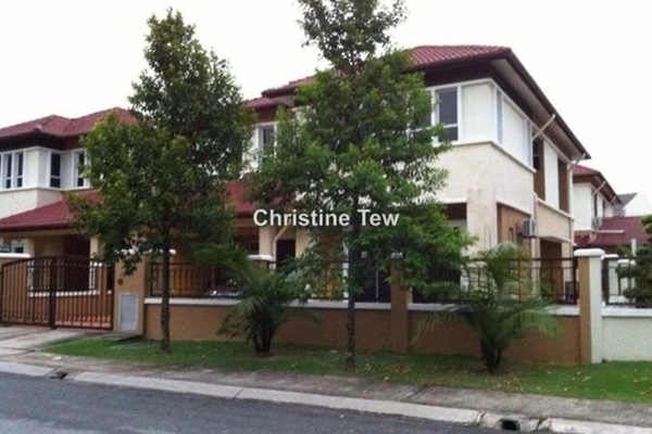 For Sale Semi-Detached at Kemuning Utama Permai, Kemuning Utama Freehold Semi Furnished 6R/6B 1.7m