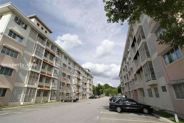 For Rent Apartment at Desa Mutiara Apartment, Mutiara Damansara  Semi Furnished 2R/2B 1.1k