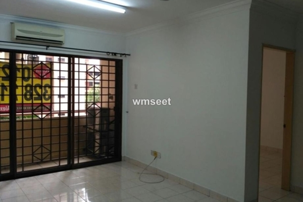 For Sale Condominium at Palm Spring, Kota Damansara Leasehold Semi Furnished 2R/2B 430k
