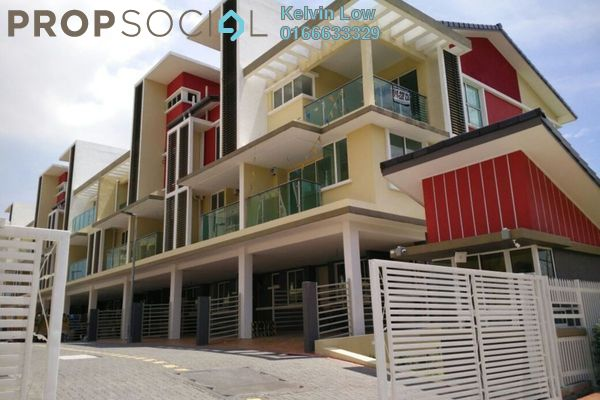 For Sale Townhouse at Kampung Kayu Ara, Bandar Utama Freehold Semi Furnished 4R/4B 950k