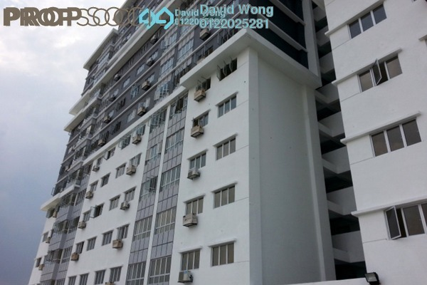 For Sale Apartment at Tiara East, Semenyih Freehold Semi Furnished 3R/2B 250k