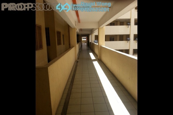 For Rent Apartment at Sri Cempaka Apartment, Kajang Freehold Semi Furnished 3R/2B 1.3k