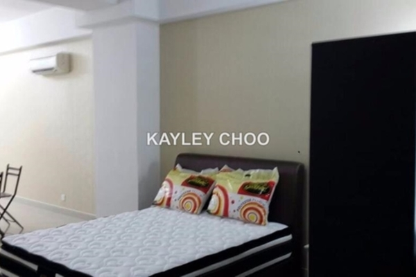 For Rent SoHo/Studio at First Subang, Subang Jaya Freehold Semi Furnished 0R/1B 1.7k