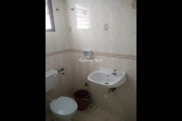 For Sale Apartment at Goodyear Court 10, UEP Subang Jaya Freehold Semi Furnished 3R/2B 350k