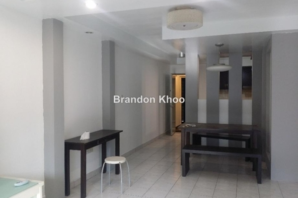 For Sale Apartment at Flora Damansara, Damansara Perdana Leasehold Semi Furnished 3R/2B 229k