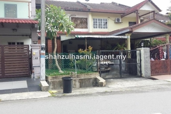 For Sale Terrace at Bandar Baru Sungai Buloh, Sungai Buloh Leasehold Semi Furnished 4R/3B 450k