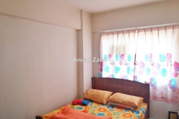 For Sale Apartment at Sri Saujana, Kepong Leasehold Unfurnished 3R/2B 200k