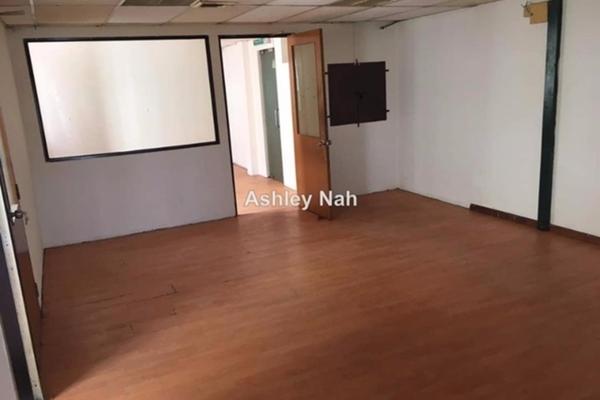 For Sale Office at The Landmark, Klang Freehold Semi Furnished 6R/2B 328k