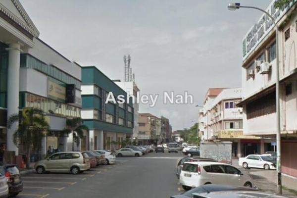 For Rent Shop at Lembah Beringin, Selangor Leasehold Unfurnished 0R/2B 1.9k
