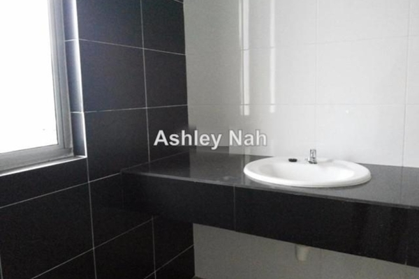 For Sale Link at TTDI Grove, Kajang Freehold Semi Furnished 4R/3B 730k