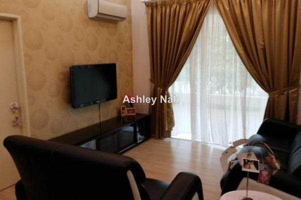 For Sale Superlink at Section U8, Bukit Jelutong  Semi Furnished 5R/5B 1.21m